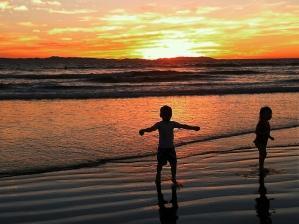 beach kids tiffened 1